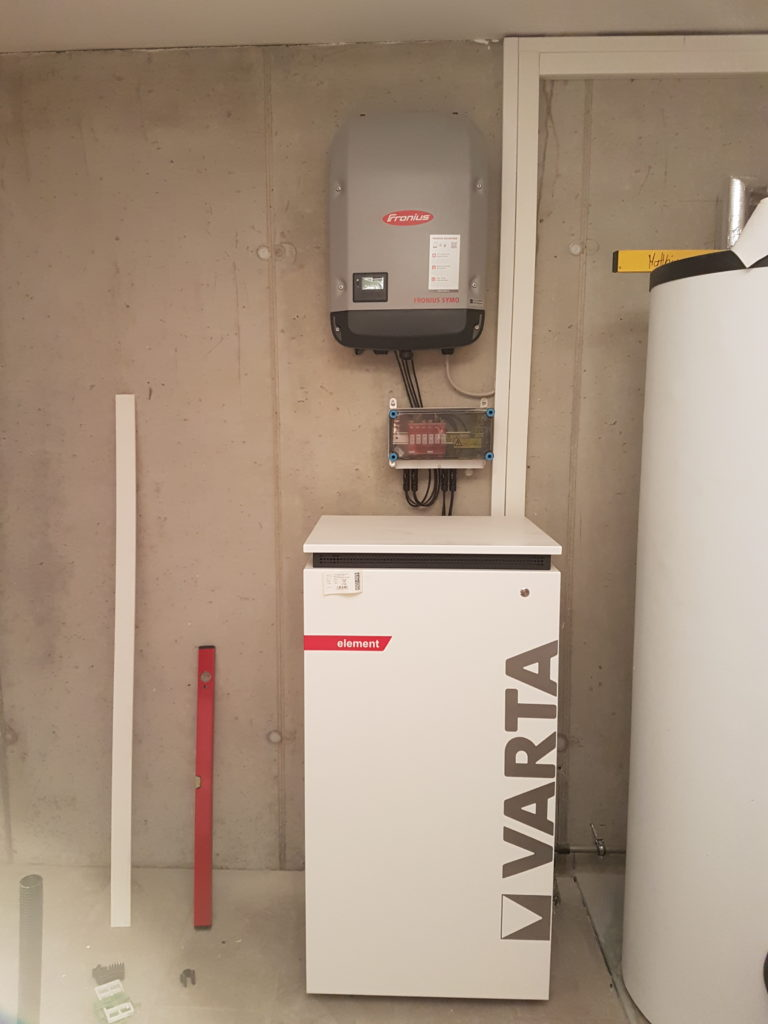 Elektro Loibl Wechselrichter mit Varta Speicher